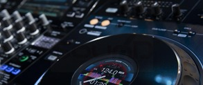 PIONEER DJ's  XDJ-XZ FLAGSHIP ALL-IN-ONE PLAYER 2 Channel or 4 Channel Goodness?